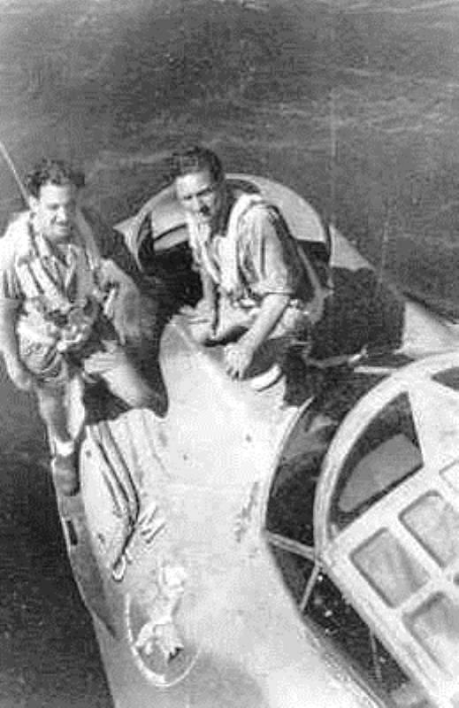 Catalina-Y-64-mecano's-vlrn.-S.G.-Duyts W.H.-Heyneker-10-12-1942-Trincomalee-Ceylon.