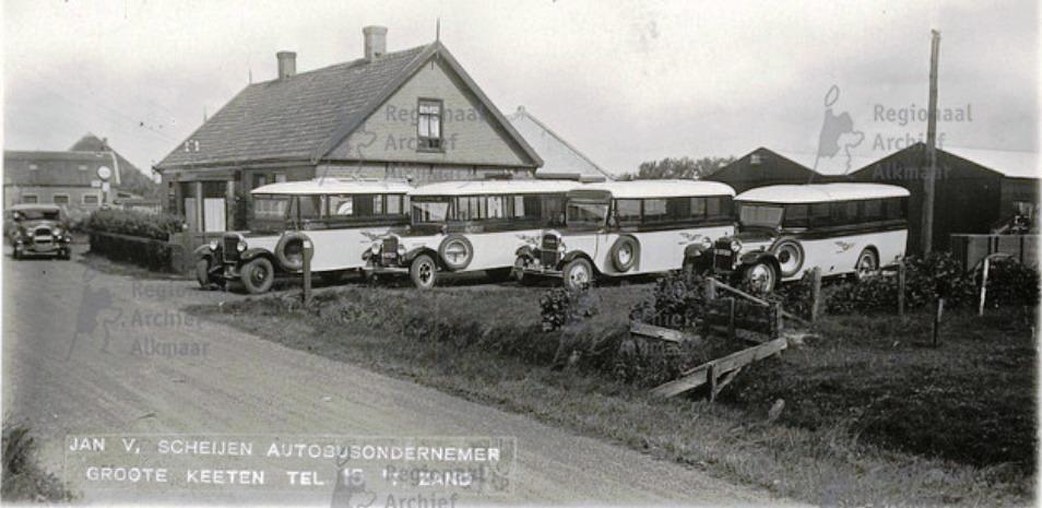Bus ondernemer Jan van Scheijen op de Groote Keeten  Callandsoog