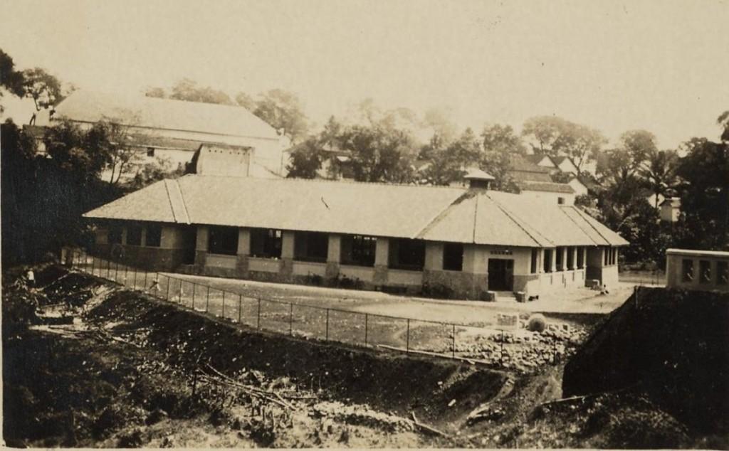 De school waarop Pa Tielman en zijn zuster Fiete zaten