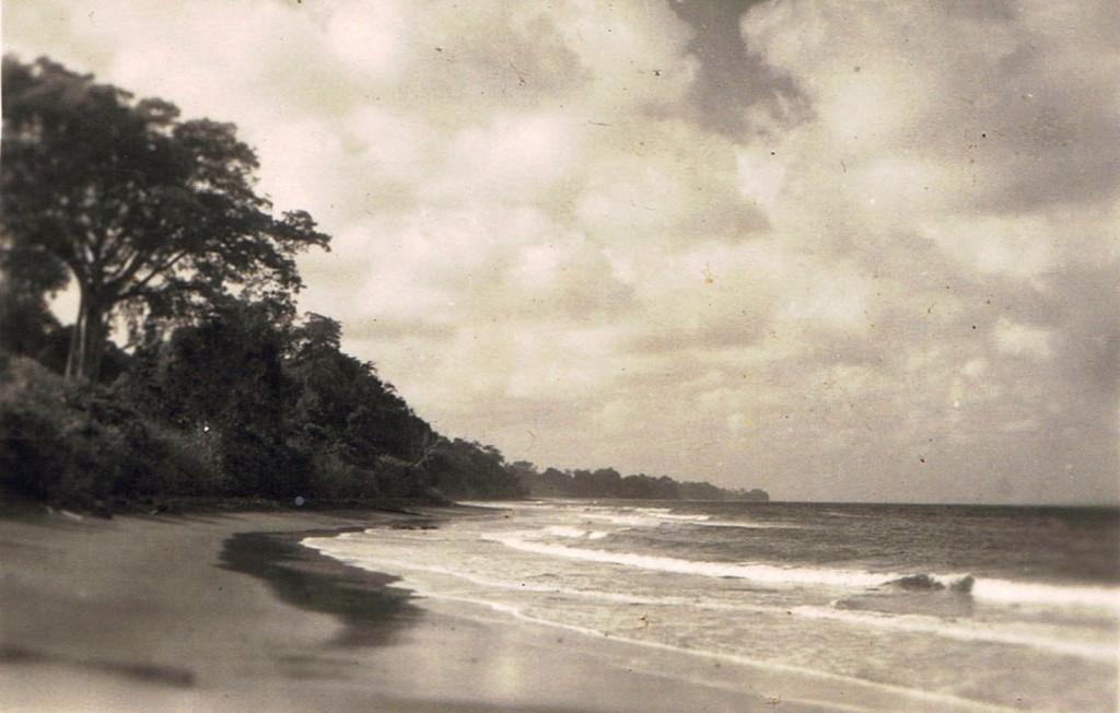 10 Bali strand Mei '48