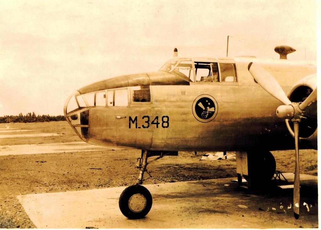 Ook hier het nieuwe embleem van de P.V.A. op de Mitchell B-25