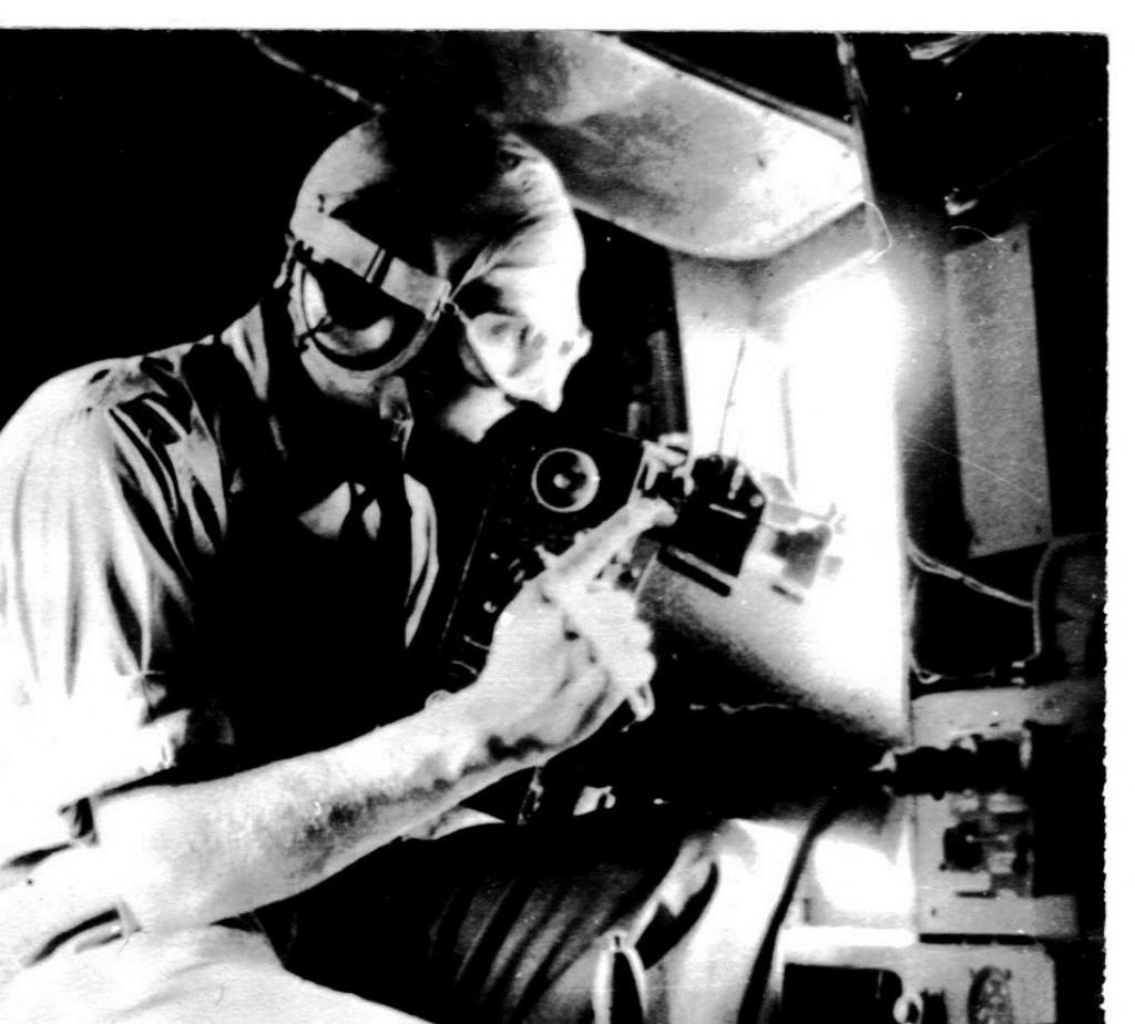 Ook werd vanuit de zijkant van B-25 gefotografeerd