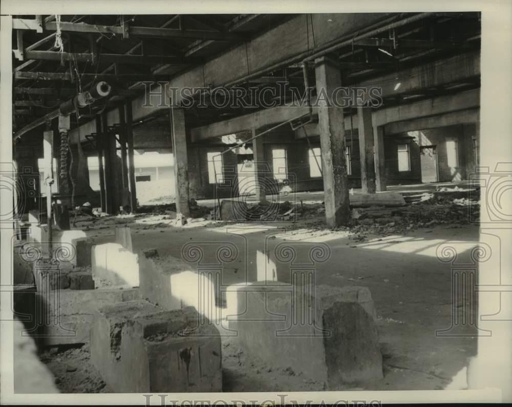 Fabriek in Moekden tijdens krijgsgevanenschap