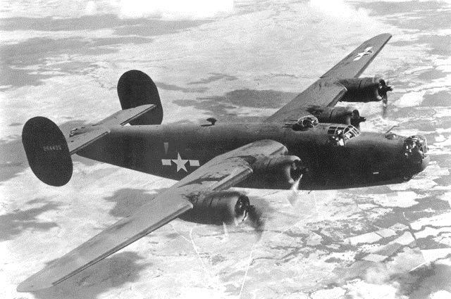 Consolidated_Vultee_B-24_Liberator_USAF